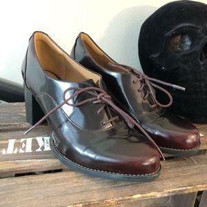 Clark's artisan mahogany oxford block heels size 6
